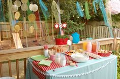 Cute brunch party with patio painting!