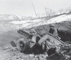 Artillerymen from the 10th Mountain Division operate their M1A1 75mm pack howitzer. These compact guns were the main heavy support within the 10th, and could be disassembled for transport by mule. (Laemlein), pin by Paolo Marzioli