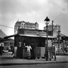 vintage everyday: Amazing Black & White Photos of Street Scenes of Madrid and Barcelona in the Barcelona Catalonia, Madrid Barcelona, Roca Barcelona, Spain History, Murcia Spain, Foto Madrid, Old Photography, Photography Magazine, Street Photography