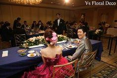 こちらのおふたりののお色直しのときのご様子です。清楚な白ドレスから、あでやかな赤紫がかったピンク系のドレスへお色直しです。華やかで素敵です~(^^)  ...
