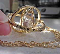 Harry Potter  Golden Time Turner collar  por CreativeTsurera