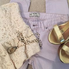 Free People lavender sz 26 skinny ankle jeans Free People lavender sz 26 skinny ankle jeans no wear on these jeans inseam 26 inches in length.  These are skinny in our opinion they fit more like a sz 25.  Super cute.  No trades or PP❤️  will not be able to model these Free People Jeans Ankle & Cropped