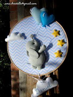 : Porta de maternidade bastidor elefantinho com balões
