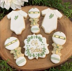 Oh Baby Gold, Green and White White Baby Showers, Baby Shower Yellow, Baby Boy Shower, Sugar Cookie Royal Icing, Iced Sugar Cookies, Baby Cookies, Baby Shower Cookies, Gender Reveal Cookies, Baby Shower Sweets