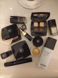 Cute Makeup, Glam Makeup, Makeup Cosmetics, Beauty Makeup, Chanel Makeup Set, Makeup Case, Makeup Brush Set, Makeup Kit, Makeup Holder