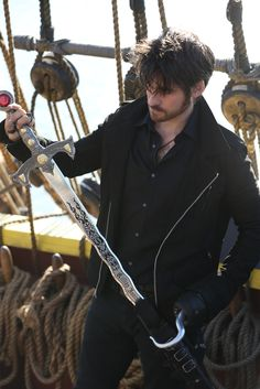 Colin O'Donoghue - Killian Jones - Captain Hook - Once Upon A Time 5x10