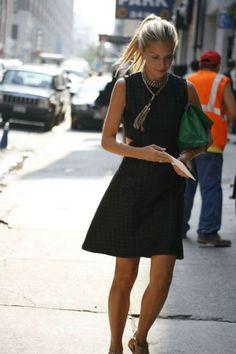 Idéias elegantes para balançar seu vestido preto pequeno