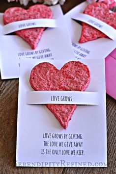 Hand Made Flower Seed Paper Plantable Heart Favors (Serendipity Refined) - Kiga - French Recipes Valentine Crafts, Holiday Crafts, Valentines, Mothers Day Crafts, Crafts For Kids, Homemade Gifts, Diy Gifts, Seed Paper, Flower Seeds