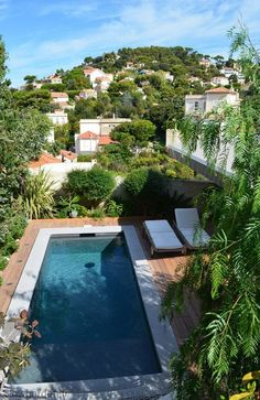 Swimming pool: creating a pleasant swimming pool area - Côté Maison Outdoor Pool, Outdoor Spaces, Outdoor Gardens, Indoor Outdoor, Outdoor Decor, Pergola, Conceptual Architecture, Glass Pool, Natural Pond