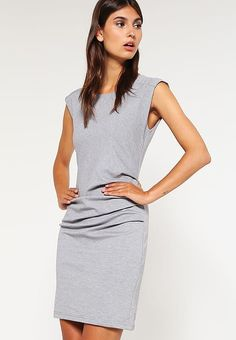 Vêtements Kaffe INDIA - Robe en jersey - grey gris: 90,00 € chez Zalando (au 25/05/17). Livraison et retours gratuits et service client gratuit au 0800 915 207.