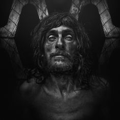 Purchase original , contemporary Photography from Lee Jeffries on Affordable Art Fair Online Shop. Lee Jefferies photographs homeless people sharing sometimes their living conditions. Lee Jeffries, Photo Portrait, Portrait Photography, Man Portrait, Black And White Portraits, Black And White Photography, Haunting Photos, Street Portrait, Homeless Man