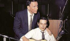 Frank Sinatra e Tom Jobim.  Fonte: http://qga.com.br/mundo/2014/06/essas-fotos-raras-vao-revolucionar-sua-visao-sobre-o-passado