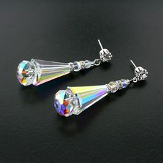 Fabulously modern with sparkling Swarovski® crystals throughout. Giavan style HOL579E.