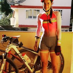 Exercise Anywhere With Your Bicycle - Cycling precision Road Bike Women, Bicycle Women, Bicycle Girl, Cycling Girls, Cycling Wear, Cycling Outfit, Cycling Clothes, Female Cyclist, Radler