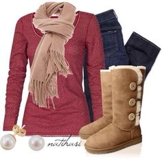 Ugg outfit. Love it. (And I own a pair myself :) ) Believe it will be best #XMAS_GIFT for MOM @Gaby Saucedo Saucedo Saucedo Saucedo Saucedo Molina