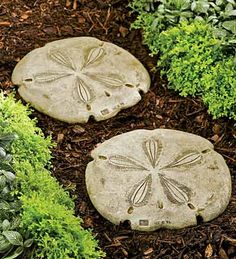 diy stepping stones out of concrete