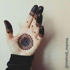 Nice n simple Mehndi design Henna Hand Designs, Mehndi Designs Finger, Palm Mehndi Design, Mehndi Designs Book, Mehndi Designs For Beginners, Mehndi Designs For Girls, Modern Mehndi Designs, Mehndi Design Photos, Mehndi Designs For Fingers
