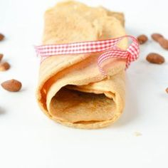 Almond Flour Crepes contains only 3.8 g net carbs per crepes. Easy 4 ingredients recipes with eggs, almond flour, coconut oil and cinnamon. Best Low carb dairy free crepes. Gluten free and sugar free. Paleo crepes.