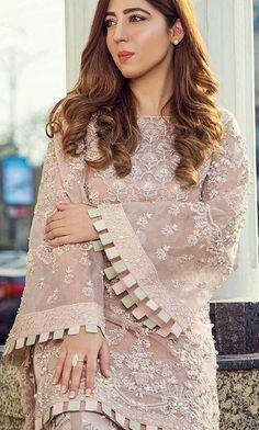 Beautiful Pakistani Dresses, Pakistani Dresses Casual, Pakistani Bridal Dresses, Pakistani Dress Design, Kurti Sleeves Design, Sleeves Designs For Dresses, Dress Neck Designs, Sleeve Designs, Pakistani Fashion Party Wear