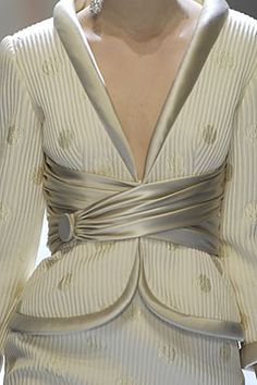 Valentino Spring 2007 Couture Fashion Show Couture Details, Fashion Details, Fashion Design, High Fashion, Fashion Show, Womens Fashion, Fashion Trends, Couture Mode, Couture Fashion