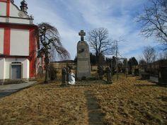 Kříž u kostela v Lipové - Ústecký kraj