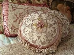 ❤•❦•:*´¨`*:•❦•❤ these cushions.