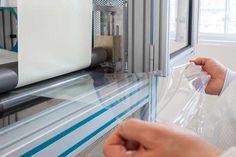 薄膜状シリコーンエラストマーの傑出した特性と応用展開 | 旭化成ワッカーシリコーン|世界最高レベルの生産技術によるシリコーン
