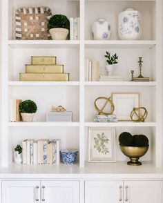 Home Interior Salas .Home Interior Salas Living Room Shelves, Living Room Decor, Decorating Bookshelves, Bookshelf Styling, Decorate Bookcase, Romantic Home Decor, Decoration Inspiration, Decor Ideas, Home Decor Accessories