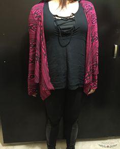 El fucsia un color que va perfecto con el negro <3 #madewithlove #colors #vibrant #ResiduoZero #sweaters #followus #fallwinter #sueteres #detallesetnicos