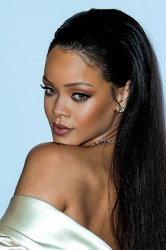 smokingsomethingwithrihanna: 2nd Annual Diamond Ball (Dec. 10)