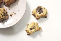 Cookies com gotas e chocolate.