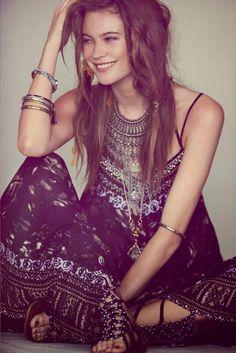 For the BEST boho fashion, hippie looks, & Bohemian styles FOLLOW http://www.pinterest.com/happygolicky/the-best-boho-chic-fashion-bohemian-jewelry-gypsy-/ now