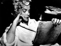 Otra de Marilyn leyendo