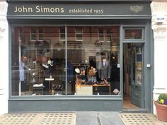 New window display at John Simons, Chiltern Street, London.A nice midcentury, Esquire menswear type look.http://www.johnsimons.co.ukhttps://twitter.com/johnsimons1955