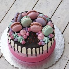 #cake #cakeshop #cakes #cakejakarta #cupcakes #cupcakejakarta #cafejakarta #lulukaylacupcake #kuejakarta #kueultah #kue #birthdaycake #JKTINFOOD #JKTFOODIES #buttercreamcake #customcake #customcakejakarta #flowercake #cupcakesjakarta #macaronlk