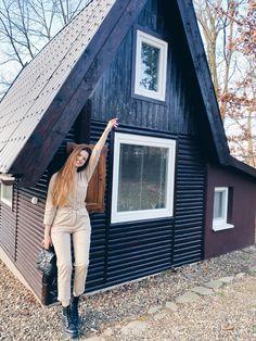 #woodhouse #utazás #pihenés #faház #mátra Body M, Sans Serif, House In The Woods