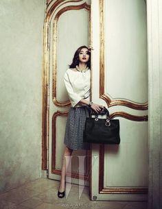 Han Chae-young // W Korea W Korea, Modern Luxury, Looking Gorgeous, Editorial Fashion, Korean Fashion, Eye Candy, Asian, Female, Celebrities