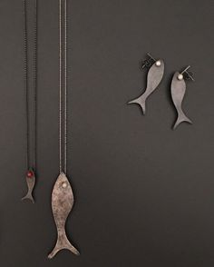 Giulietta Pendants and Earrings from The Sparkling Fishes: Giulietta & Hans collection. Ceramic Jewelry, Wooden Jewelry, Copper Jewelry, Clay Jewelry, Jewelry Art, Shrink Plastic Jewelry, Jewellery Sketches, Fantasy Jewelry, Animal Jewelry