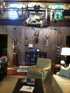 Custom design trophy room big game hunting trophy for Trophy room design