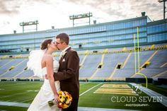 Green Bay Packers  Football Mens Bridal Wedding Day Boutonniere Groomsmans