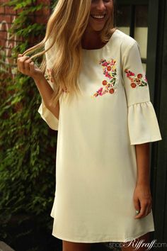 From its delicate embroidered detail to its gorgeous ruffled sleeves, this dress is sweetly southern