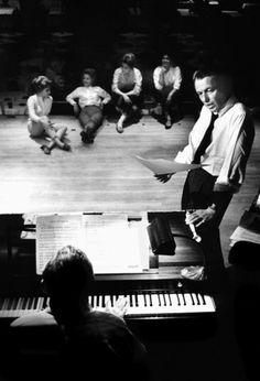 Frank Sinatra in rehearsal at the Sands Hotel (Las Vegas, 1960)