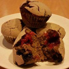 Malinovo-kakaové muffiny #bezmlieka #bezvajec #bezlepku  #muffin #glutenfree #vegan Gluten, Breakfast, Food, Meal, Eten, Meals, Morning Breakfast