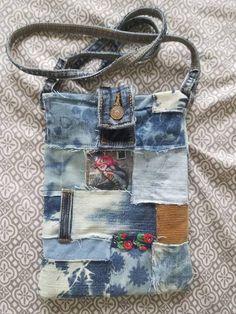 Levi's denim purse with graffiti art patches - Jeans (recycling) - Art Jean Crafts, Denim Crafts, Jean Purses, Purses And Bags, Graffiti Art, Jeans Recycling, How To Make Purses, Denim Purse, Denim Ideas