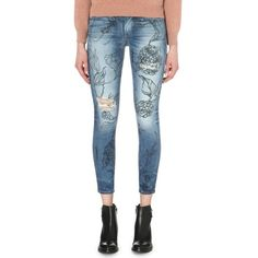 TRUE RELIGION Floral-printed mid-rise jeans ($390) ❤ liked on Polyvore featuring jeans, cvfm iky frl, 5 pocket jeans, destructed jeans, floral pattern jeans, floral print jeans and flower print jeans