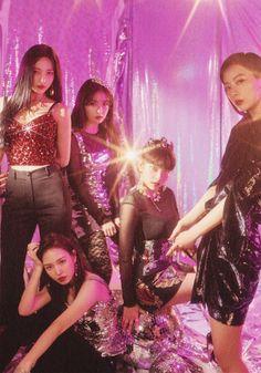 red velvet rbb era really bad boy Kpop Girl Groups, Korean Girl Groups, Kpop Girls, South Korean Girls, Red Velvet Joy, Red Velvet Seulgi, Sooyoung, Divas, Red Velvet Photoshoot