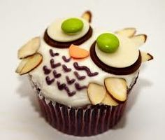 An Owl cupcake... sooOOOo cute!