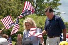 Ann Romney Photos - Mitt Romney Attends Fourth Of July Parade In New Hampshire - Zimbio