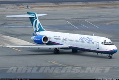 Taxiing in to Terminal E. Not much longer in these colors. AirTran Boeing 717-2BD  Boston - General Edward Lawrence Logan International (BOS / KBOS) USA - Massachusetts, March 10, 2014