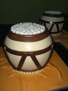 African Clay Pot Wedding Cake African Traditional Wedding, Traditional Wedding Cakes, Traditional Wedding Invitations, Traditional Cakes, Themed Wedding Cakes, Themed Cakes, African Wedding Cakes, African Weddings, African Cake